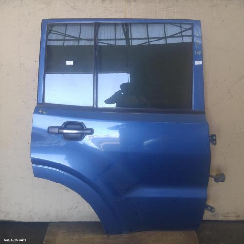 #93444, Used right rear door/sliding for 2000 pajero| nm, gl/glx, non on