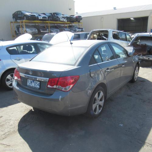 116502 Used Rear Bumper For 2011 Cruze Jg Cdx W Park
