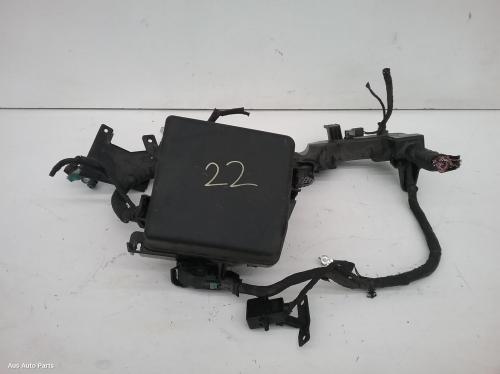 14096 used fuse box for 2015 carnival grand carnival engine bay rh ausautoparts com au
